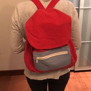 Backpack in red and blue pocket!! 🎒